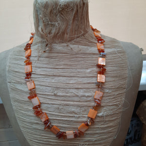 Mother of pearl and quartz necklace.
