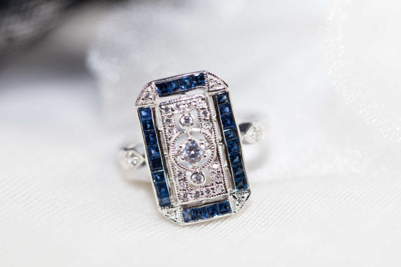 Blue sapphire and silver ring in Art Deco design - Vintage sapphire engagement ring, Jewelry - Meditation Essentials