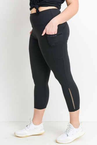 Curvy mesh capri leggings