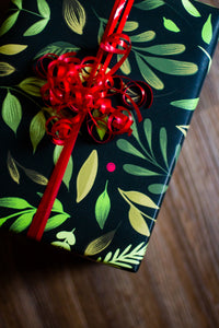 Holly Gift Wrap