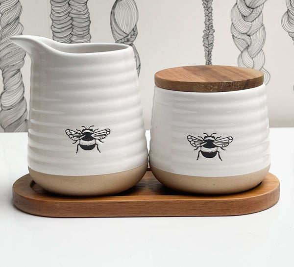Rae Dunn Artisan Bee Cream and Sugar set with Tray, Set of 2