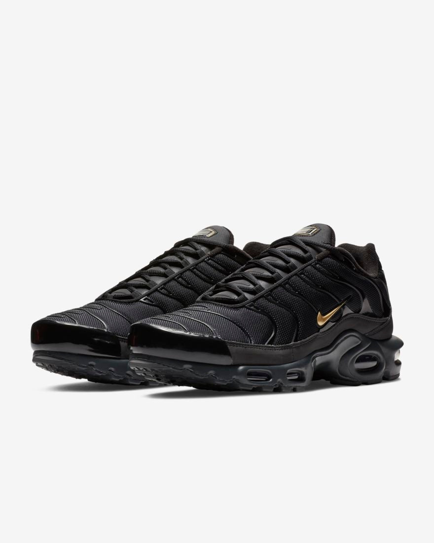 sports shoes 946c0 f87f5 Nike Mens Air Max Plus TN - Black/Metallic Gold/Anthracite