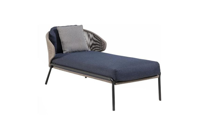 Radius Chaise Lounge Outdoor Furniture Manutti