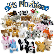 characters for the Noah's Ark Plush Play Set laid out on white