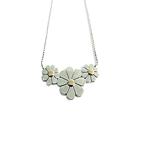 3 Daisy Necklace - Horizontal