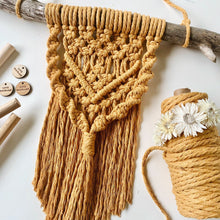 Load image into Gallery viewer, Macrame wall hanging kit