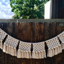 Load image into Gallery viewer, Macrame Bunting Cream