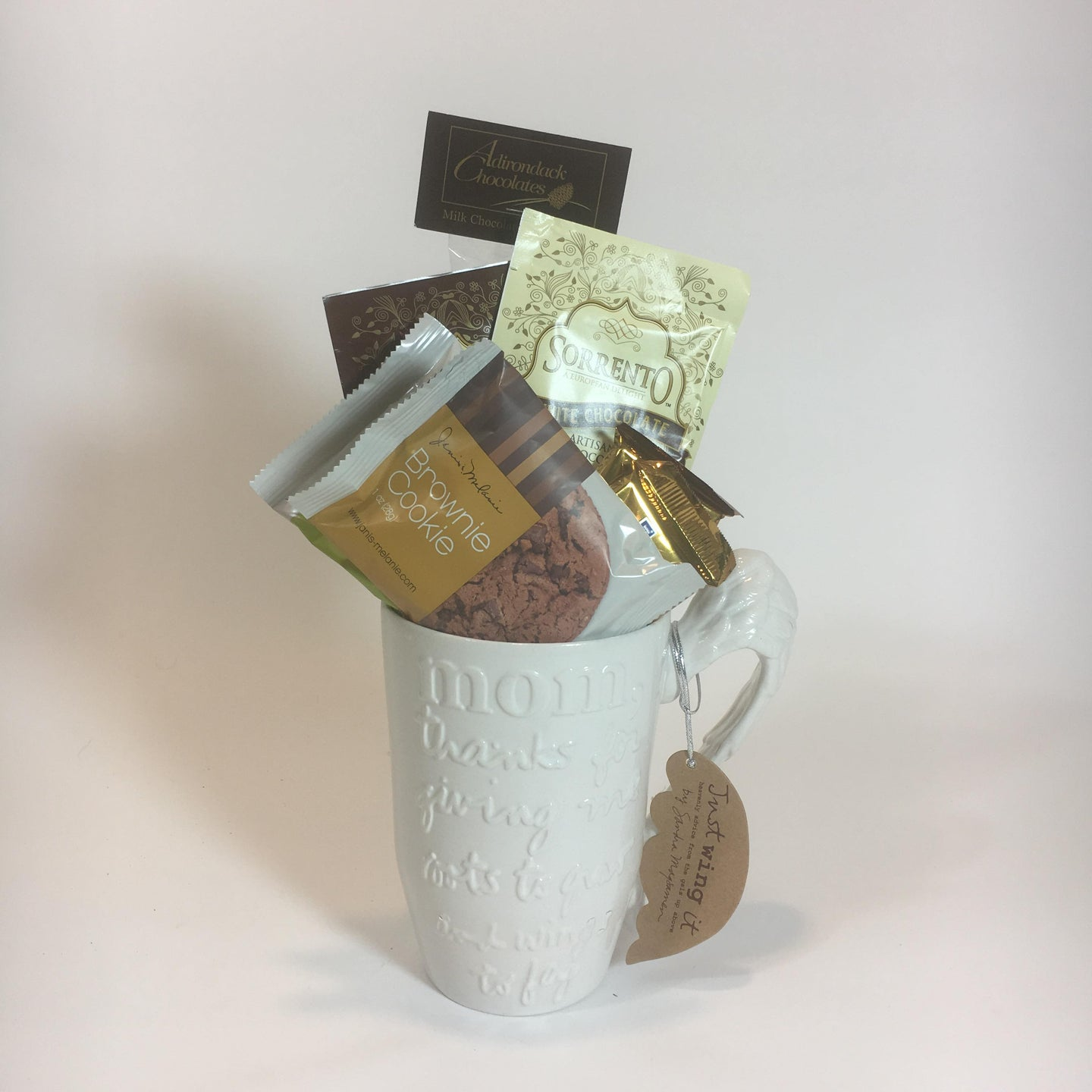 Mom mug with wing handle, with cookies chocolates cocoas