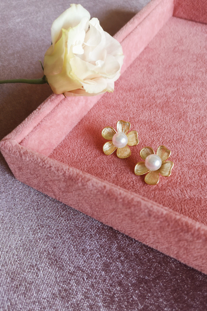 Matte Gold Flower Stud Earring