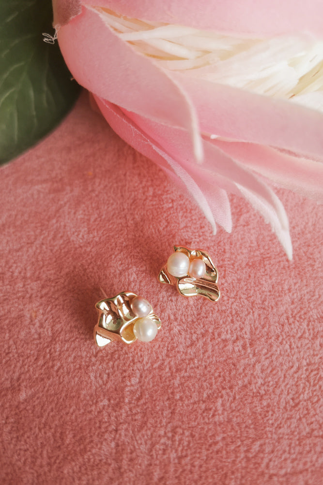 GOLD DAINTY PEARL STUD EARRINGS