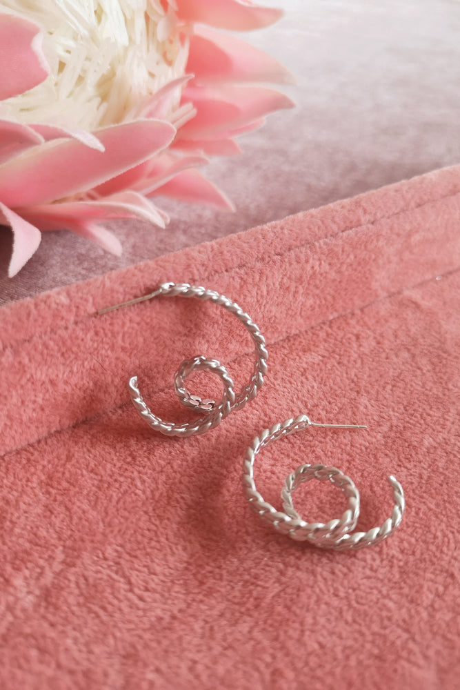 CHAIN LINK CIRCLING HOOP EARRINGS