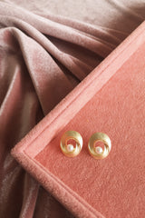 Matte Gold Winding Circle Stud with Pearl