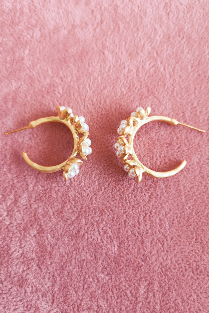 PEARL FLOWER HOOP EARRINGS