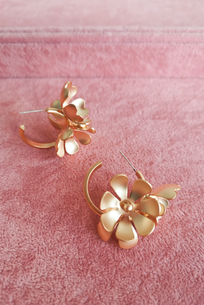 MATTE GOLD FULL BLOOM HOOP EARRINGS