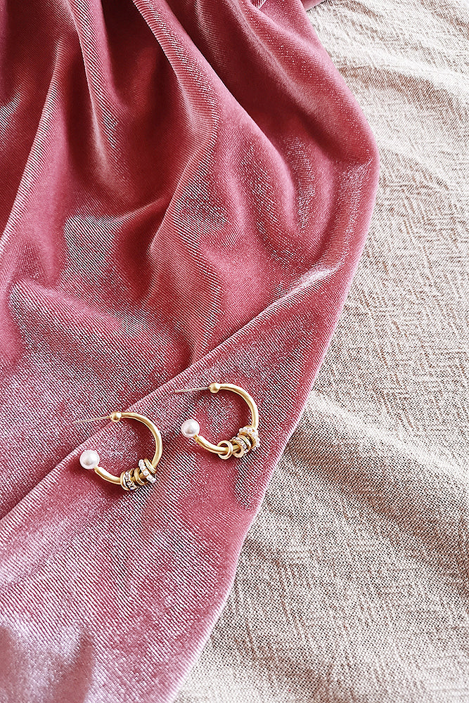 MATTE GOLD MULTI RINGS HOOP EARRINGS