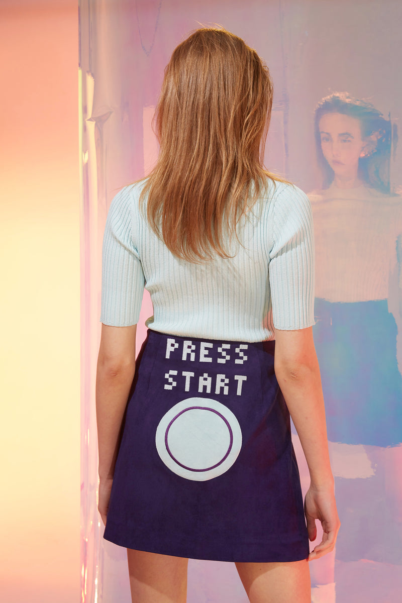 PRESS BUTTON TO START SKIRT