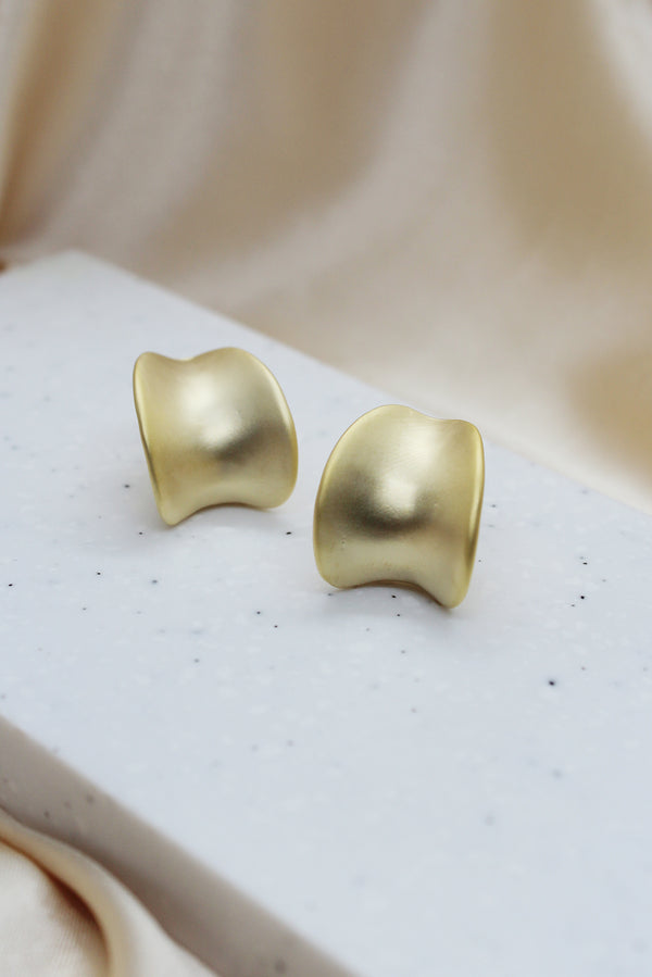 MATTE GOLD  STATEMENT HOOP STUD EARRINGS