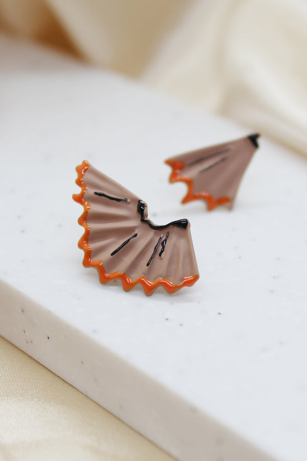 PENCIL SCRAP STUD EARRINGS