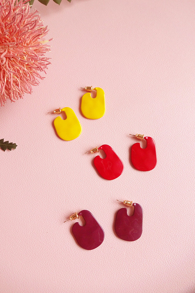 LACQUER COLOUR DISC STUD HOOP EARRINGS
