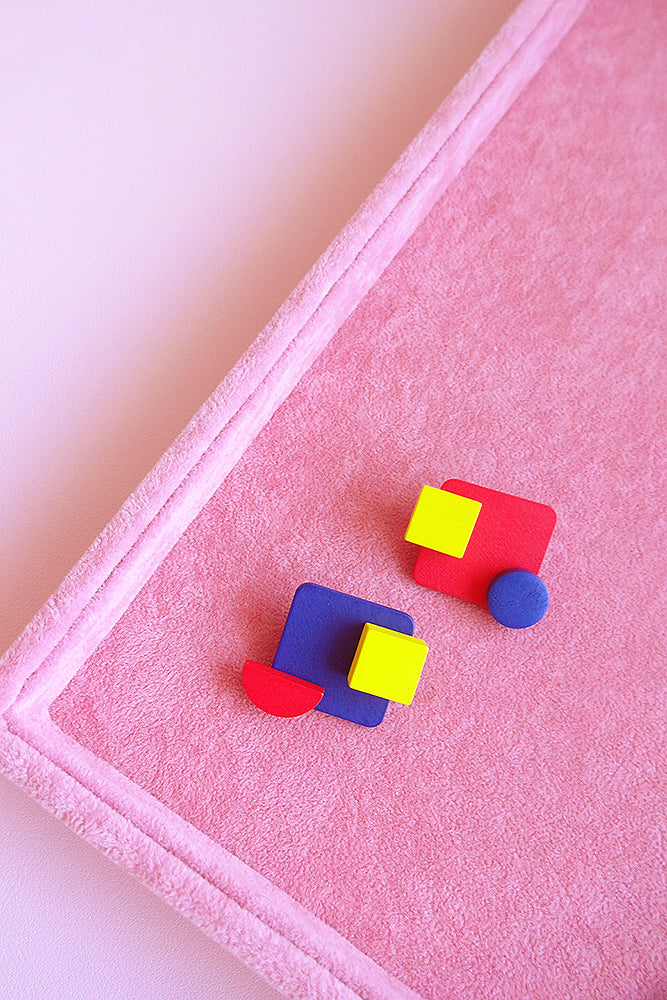 ASYMMETRICAL WOODEN COLOUR BLOCK STUD EARRINGS