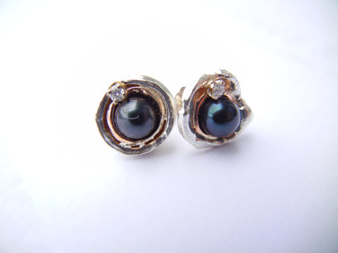 Black fresh water pearl Orbit Earrings