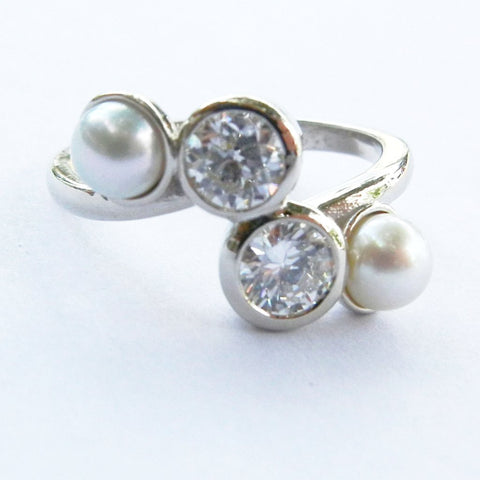 14kt Yellow Gold Diamond and Pearl Ring