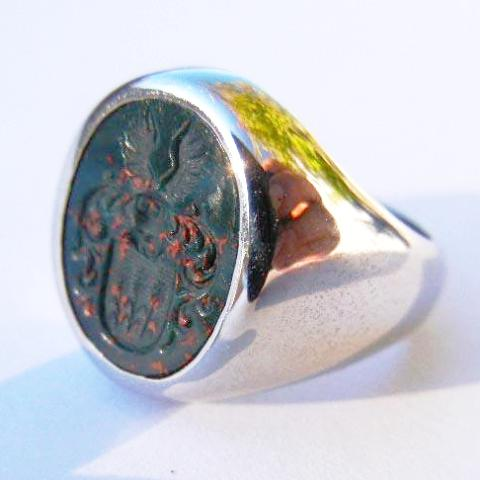 14kt Yellow Gold Family Crest Blood Stone Intaglio Ring