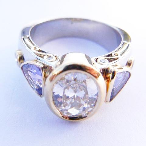 14kt Gold Two Tone Diamond & Tanzanite Ring