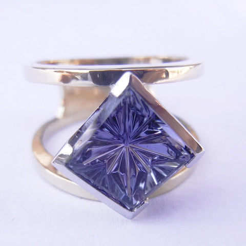 14kt Yellow Gold & Tanzanite Ring
