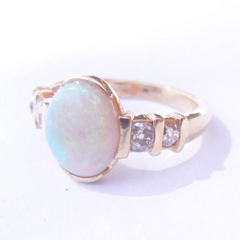 14kt Yellow Gold Opal & Diamond Ring