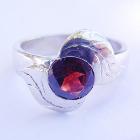 14kt White Gold & Garnet Leaf Ring