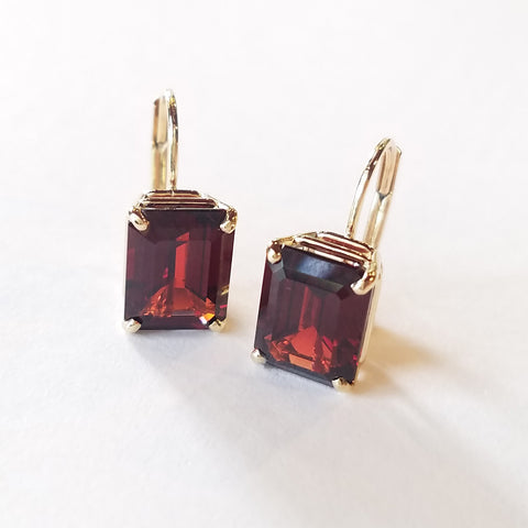 14kt 9x7mm Emerald Cut Garnet Leverback Earrings