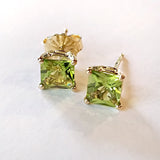 Princess Cut Peridot in 14 kt Yellow Gold Studs