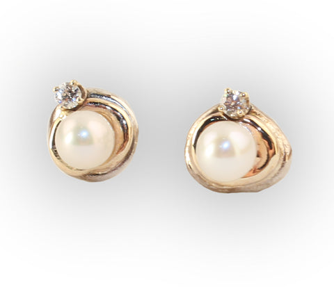 5mm Pearl Orbit Earring with Diamond