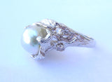 Grey Tahitian Pearl set in 14kt white Gold organic setting