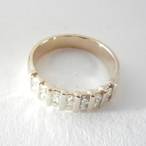 14kt Bar Set Diamond Band