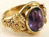 Cabochon Amethyst Ring with Grape Motif