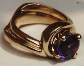 Tanzanite Solitaire curved Bypass Wedding Set.