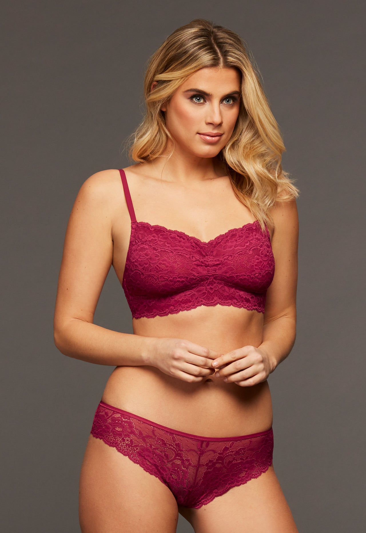 Women's lace red bralette for big bust.