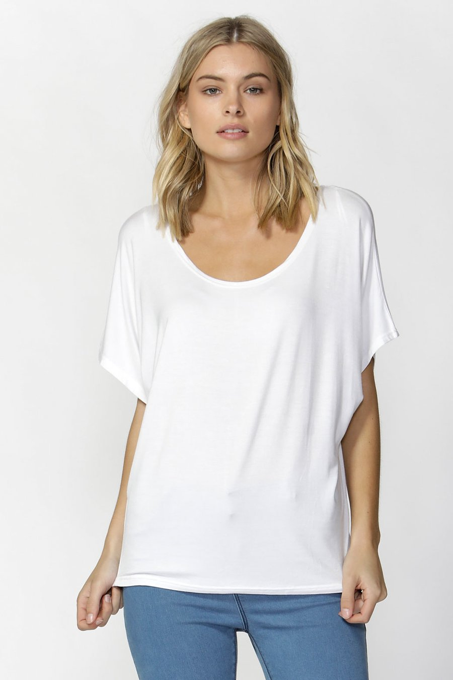 Maui Tee by Betty Basics - White