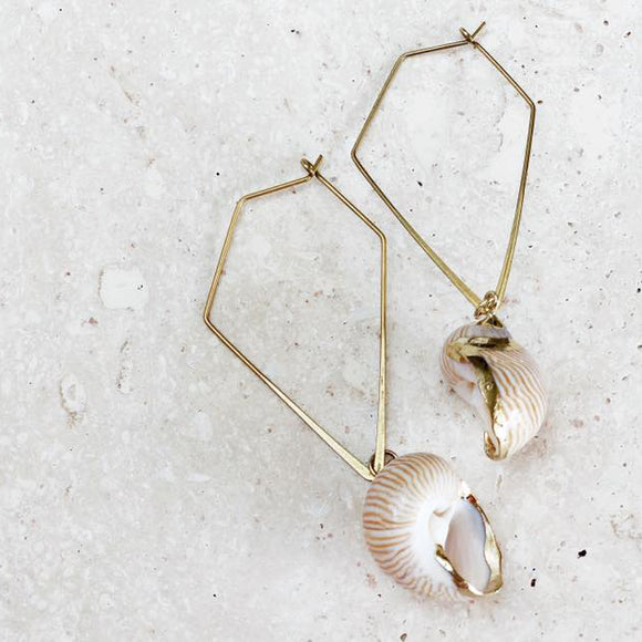 Spellbound | Geometric Seashell dangle earring
