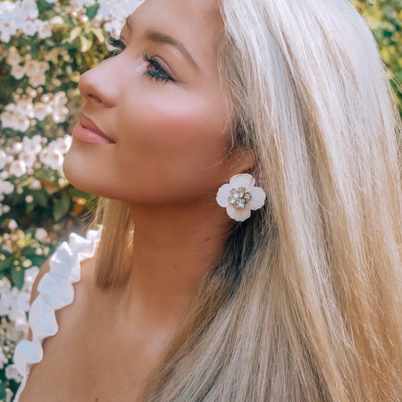 ICING | beige or white | flower earrings