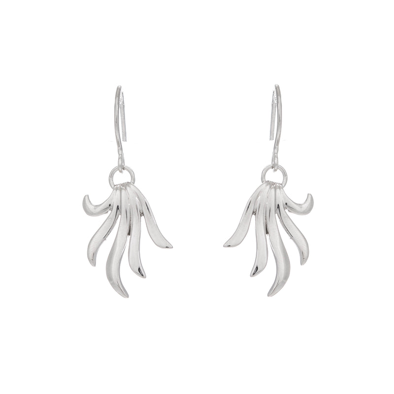 Wavy dropper earrings