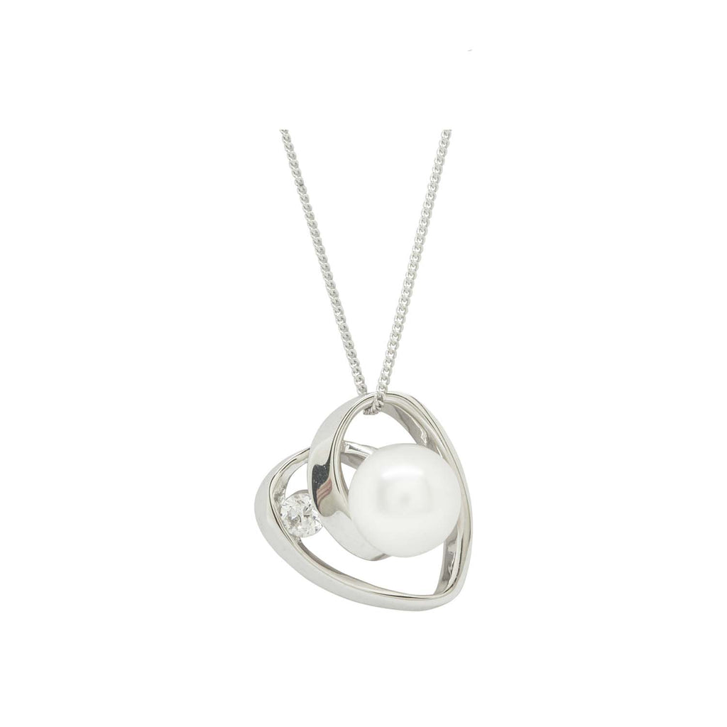 Sparkly pearl heart pendant