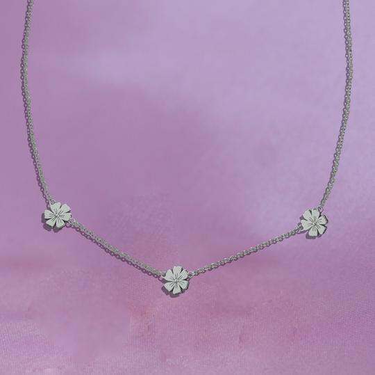 Junk Jewels Triple Daisy Chain Necklace in Silver