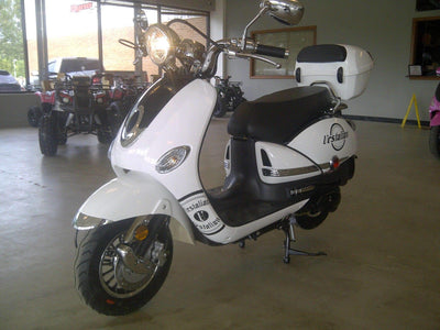 New 170cc - Dongfang 200 Vestalian - Vespa Style Scooter - Free Shipping scooters Wholesale ATV white
