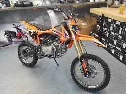 New Tao Tao DBX1 - 140cc Manual Clutch Adult/Teen Size Dirt Bike