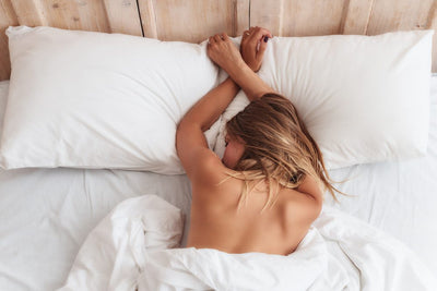 4 Benefits of Sleeping Naked & Best Sheets For Naked Sleepers