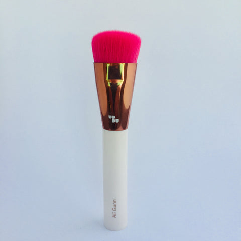 New style foundation brush