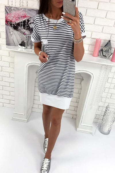 Round Neck  Backless  Back Hole  Striped  Batwing Sleeve  Short Sleeve Casual Dresses